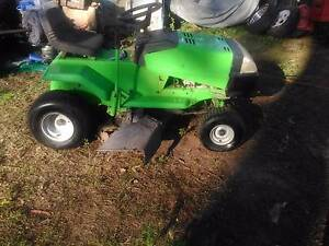 Viking ride on .mower / 13.5 hp 38' cur Boronia Heights Logan Area Preview
