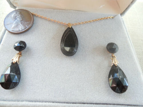 Vintage NOS designer Laguna black glass gold tone necklace drop pcd earrings D47