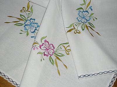 Super  Tischdecke / Mitteldecke  79 cm  / 80  cm  Blumen   Handarbeit  UNBENUTZT