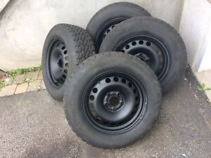 4 winter tires with rims 205/65/15 (5x114.3)