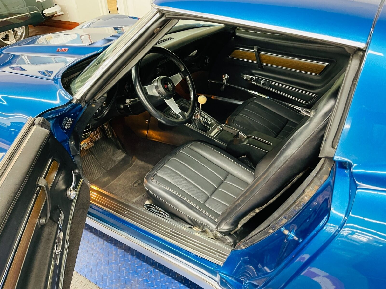 1973 Blue Chevrolet Corvette Coupe  | C3 Corvette Photo 8