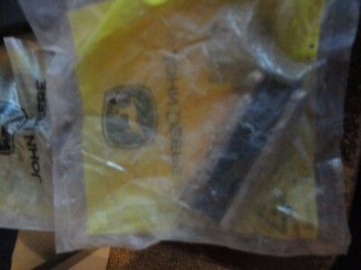 1 Genuine John Deere Oem Pin T24p 29150312dy2 Free 1st Class Mail Same Day Shp