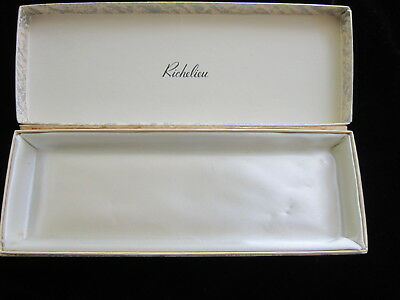 VINTAGE RICHELIEU Jewelry Necklace Display Box SATIN LINED