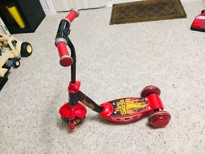 Huffy toddler scooter with light up wheels