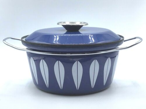 Catherine Holm Navy Blue White Enamelware Covered Lotus Flower casserole