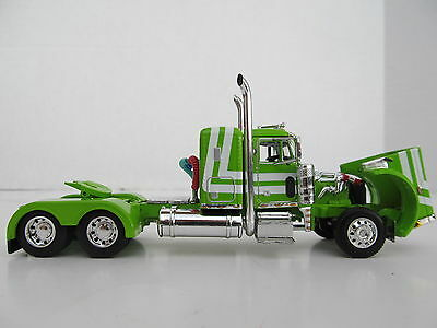 DCP 1/64 SCALE 379 PETERBILT SMALL BUNK (DAY CAB OPT) LIME GREEN W WHITE STRIPE  3