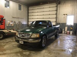 1999 Ford F-150 LOW KM, solid body