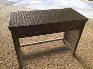 Desk (cane)