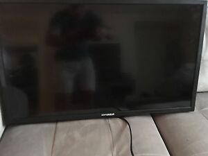 32 inch flat screen. Perfect condition