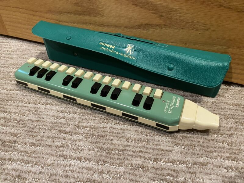 Vtg Hohner Melodica Soprano w/Case - 25 Keys - Made In Germany -Read Description