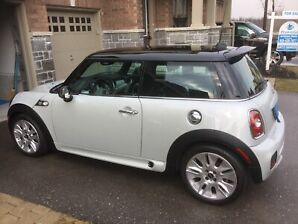 2010 Mini Cooper S - Camden Edition - JCW Bodykit - LOW KMS