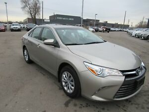 2016 Toyota Camry LE NO ACCIDENTS CLEAN CARPROOF