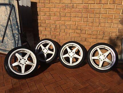 "17"" wheels Plastidip white but chrome underneath  Marangaroo Wanneroo Area Preview"