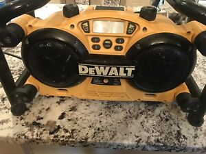 DeWalt DC011 Radio and Battery Charger PLUS 14.4V Battery