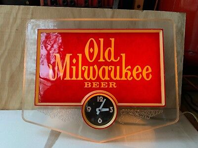 Vintage Old Milwaukee Beer Light-Up Clock Sign