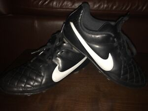 Nike Soccer Cleats, Youth 4