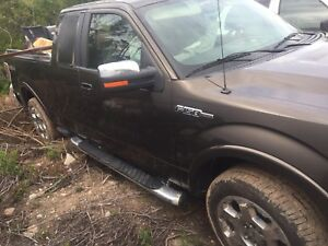Parting out 2009 Ford F-150 lariat 5.4 v8 4x4 runs and drives