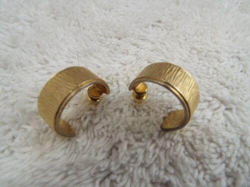Goldtone Etched Hoop Pierced Earrings (C31)