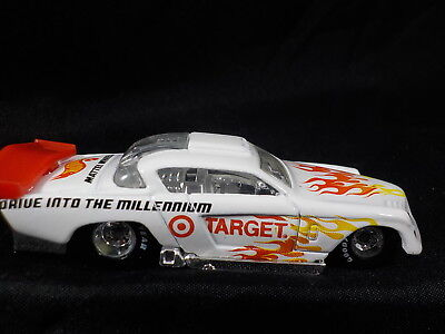 HOT WHEELS L.E TARGET MILLENNIUM Baggie CAR WHITE-RED AT-A-TUDE REAL RIDERS 1/64