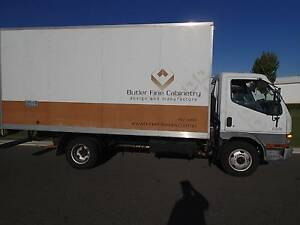 Mitsubishi Canter Furniture Truck Drive on Car Liscence Welshpool Canning Area Preview