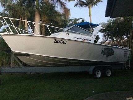 28 ft savage 770 sports fisher , twin 4 strokes