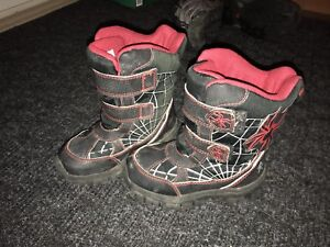 Size 11 T winter boots