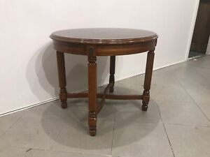 Nice excellent condition solid wooden side table