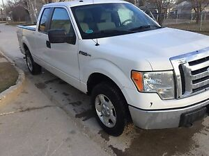 2009 Ford F-150 XLT clean title no accidents only $10000