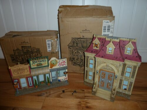 Hallmark 2005 Hauntington Collection - Apothescary & Town Hall With Boxes