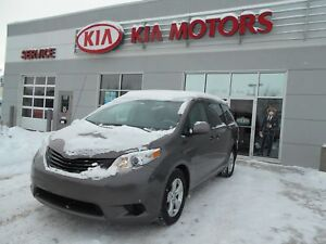 2013 Toyota Sienna LE 7 Passenger Text/Call 403 715-9087