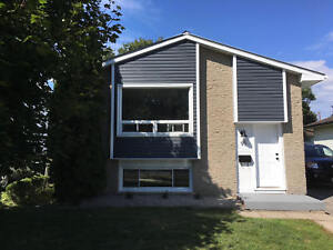 Renovated 3 bed student property steps from SLC! 2-95 Mary