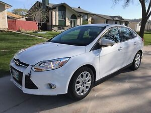*PRIVATE SALE* 2012 Ford Focus SE (WINTER TIRES INCLUDED!)