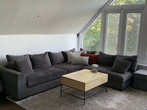 Horizon sectional couch from Structube