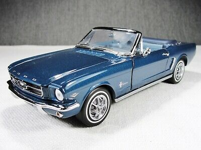 1/24 Scale 1964 Ford Mustang Convertible Blue Model Car w Box Franklin Mint