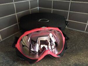 Oakley goggles with hard case - excellent condition