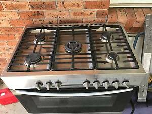 Gas Stove and oven Galston Hornsby Area Preview