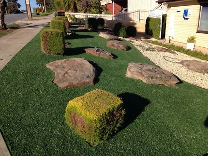 ARTIFICIAL - SYNTHETIC TURF / LAWN / GRASS