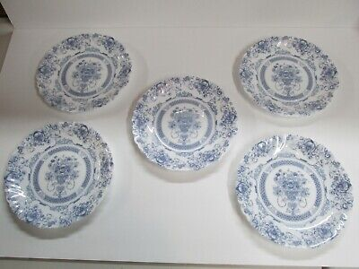 Arcopal Honorine Blue Floral on White Set of 5 Salad /Bread/Dessert Plates EUC