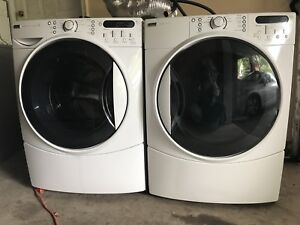 Commercials Quality 4 year Kennore Elite Washer/ Dryer DELIVER
