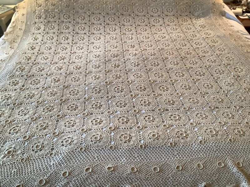 "Vintage HandMade Crochet Lace Bed Cover Coverlet Bedspread 72""x74"" Beige Cotton"