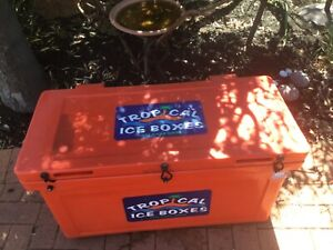 Tropical Ice Box 105 litre
