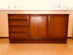 Retro 70s buffet sideboard in mint condition.