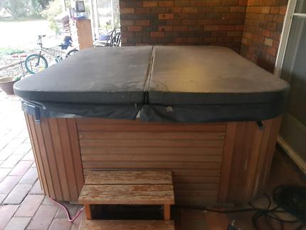 Maax 8 seater spa | Pool | Gumtree Australia Kingston Area ...