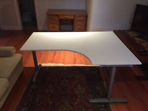 Large Desk - EXCELLENT CONDITION