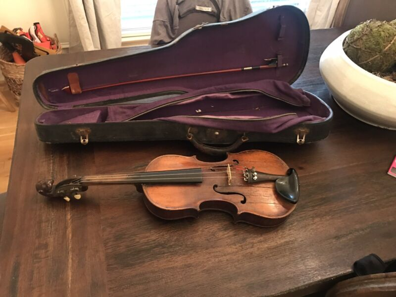 Lion Head Violin