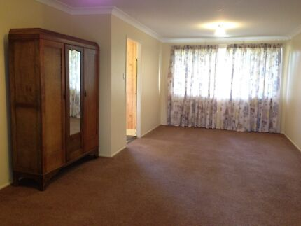 Great Studio for an EMPLOYED SINGLE (ONLY) Redland Bay Redland Area Preview