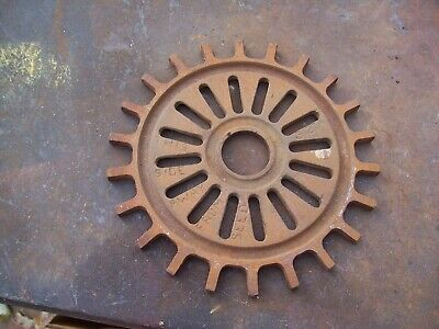 1 Vintage Ih Cast Iron Planter Plate 3127a Control Aa