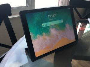 iPad Pro 12.9 inch 128GB Space Grey w/ case and Smart Cover