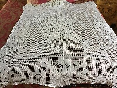 Vintage Off-White Hand Crochet Throw / Table Cloth w/Pedestal Basket of Flowers