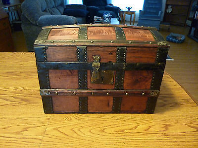 Antique circa 1890s Doll or Childs Dome Trunk w/ Tray